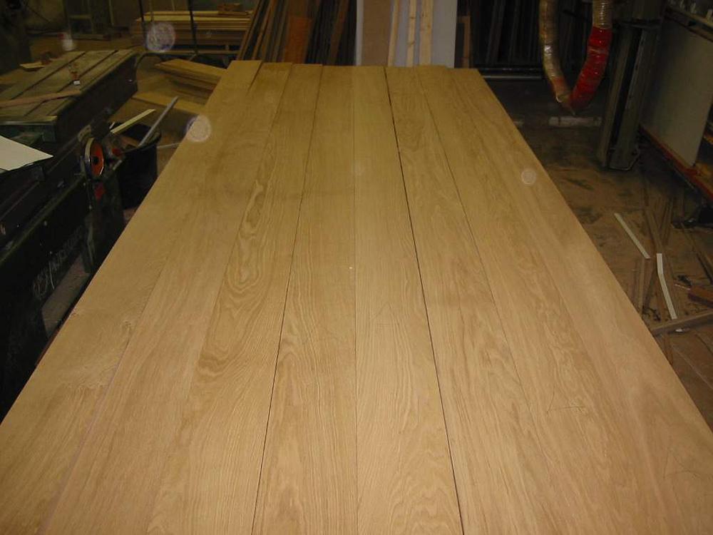 """Und so sehen die Bretter ineinander gesteckt aus. Wir sprechen dann von einem """"Bild"""", das sich durch die unterschiedliche Maserung des Holzes ergibt."""